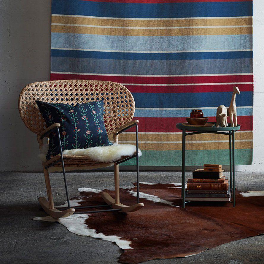 un petit rocking chair ikea id es salon pinterest chaise fauteuil et fauteuil emmanuelle. Black Bedroom Furniture Sets. Home Design Ideas