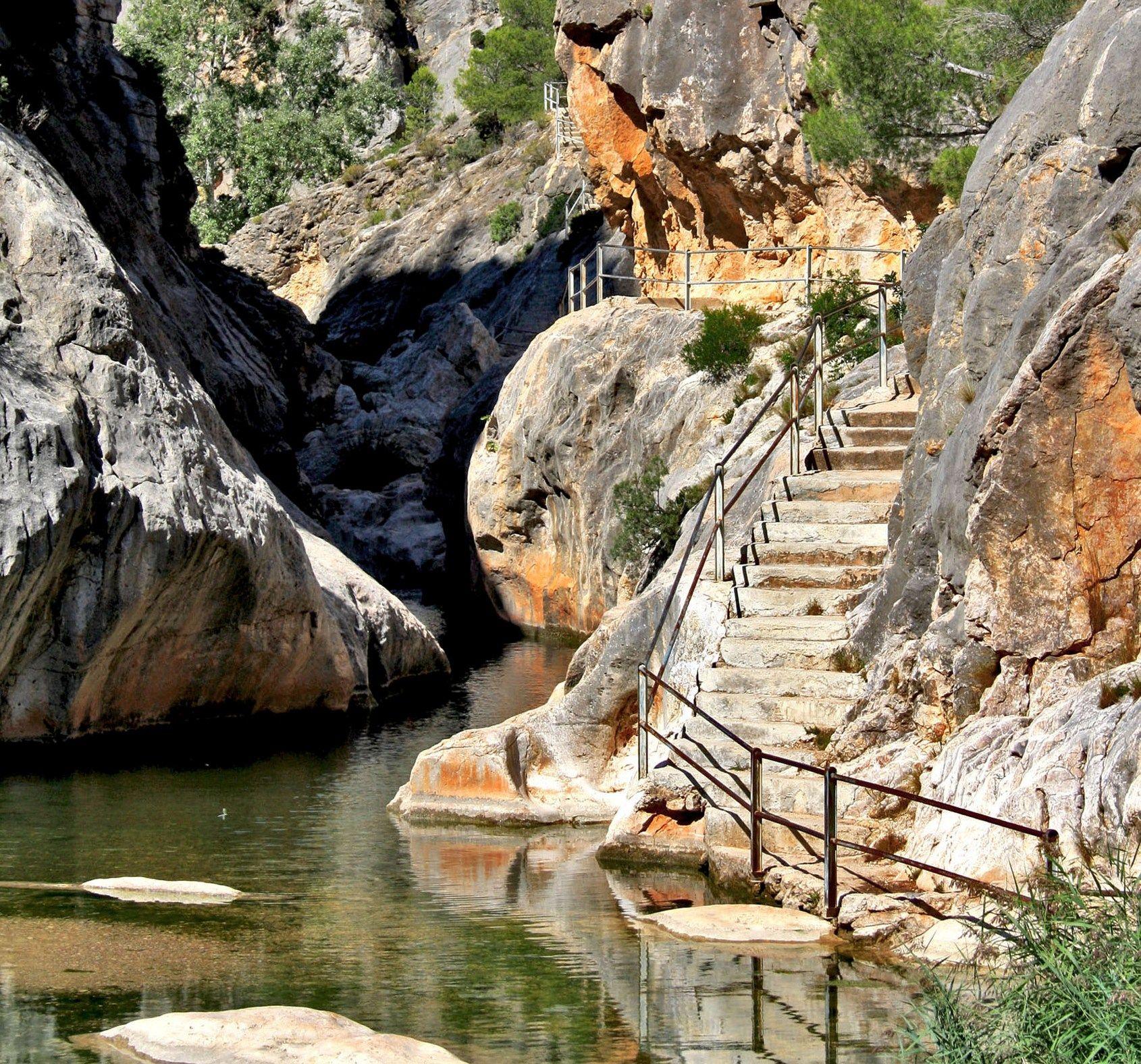 Fontcalda tarragona spain natural pools pinterest for Piscines naturals catalunya
