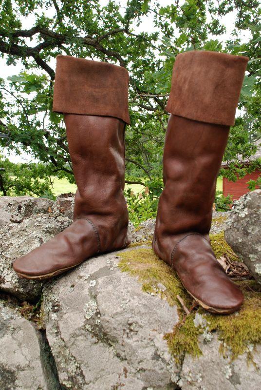 Google Image Result for http://www.deviantart.com/download/59260383/Medieval_boots_by_Nimpsu.jpg