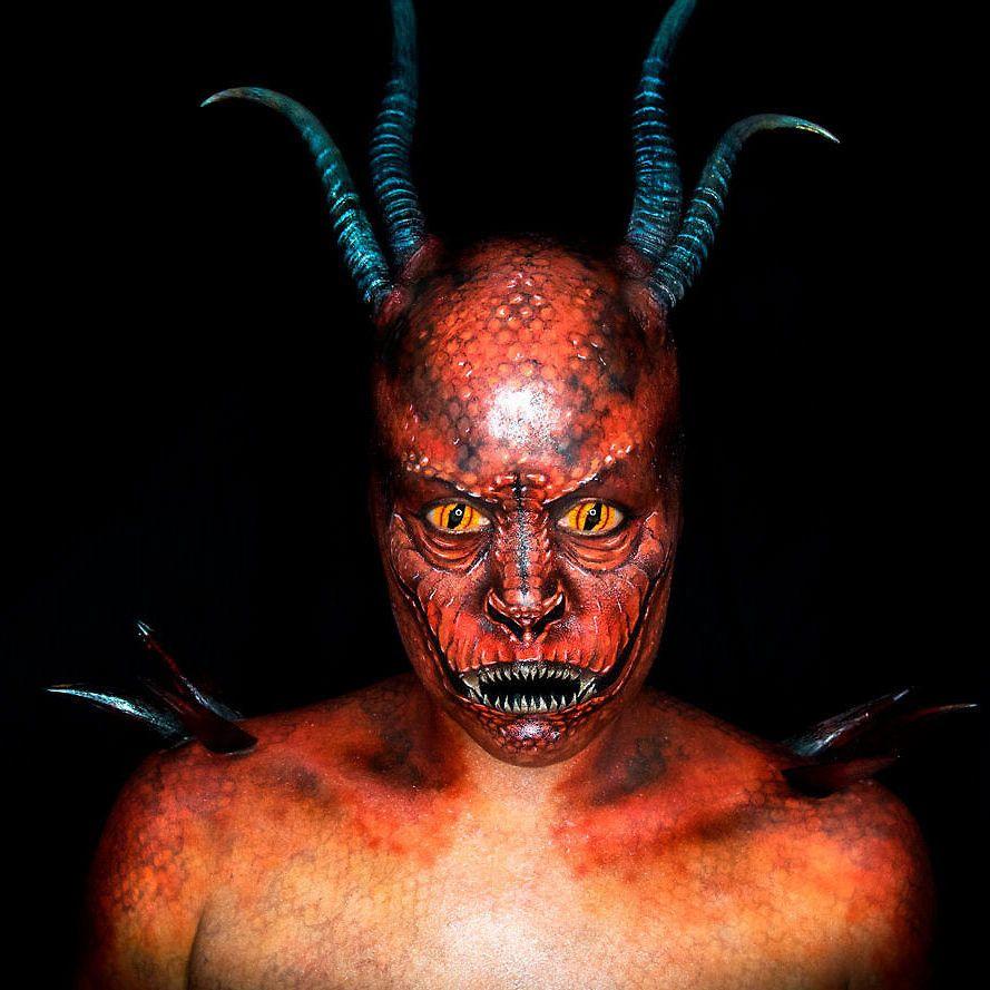 Dragon Body Paint – Cris Alex