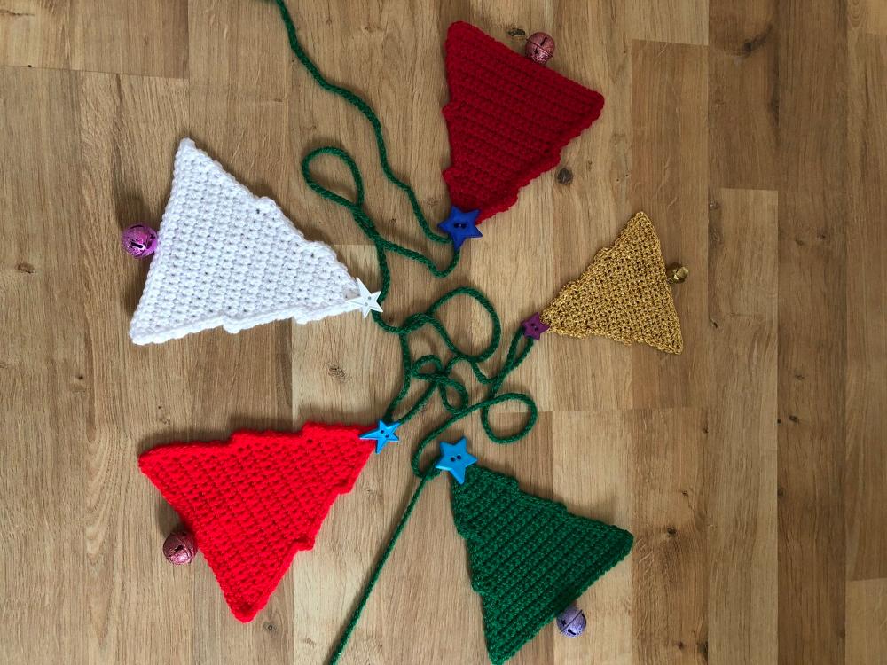 Christmas Tree Bunting Crochet Pdf Ali Crafts Designs Crochet Patterns Knitting Yarn Bunting