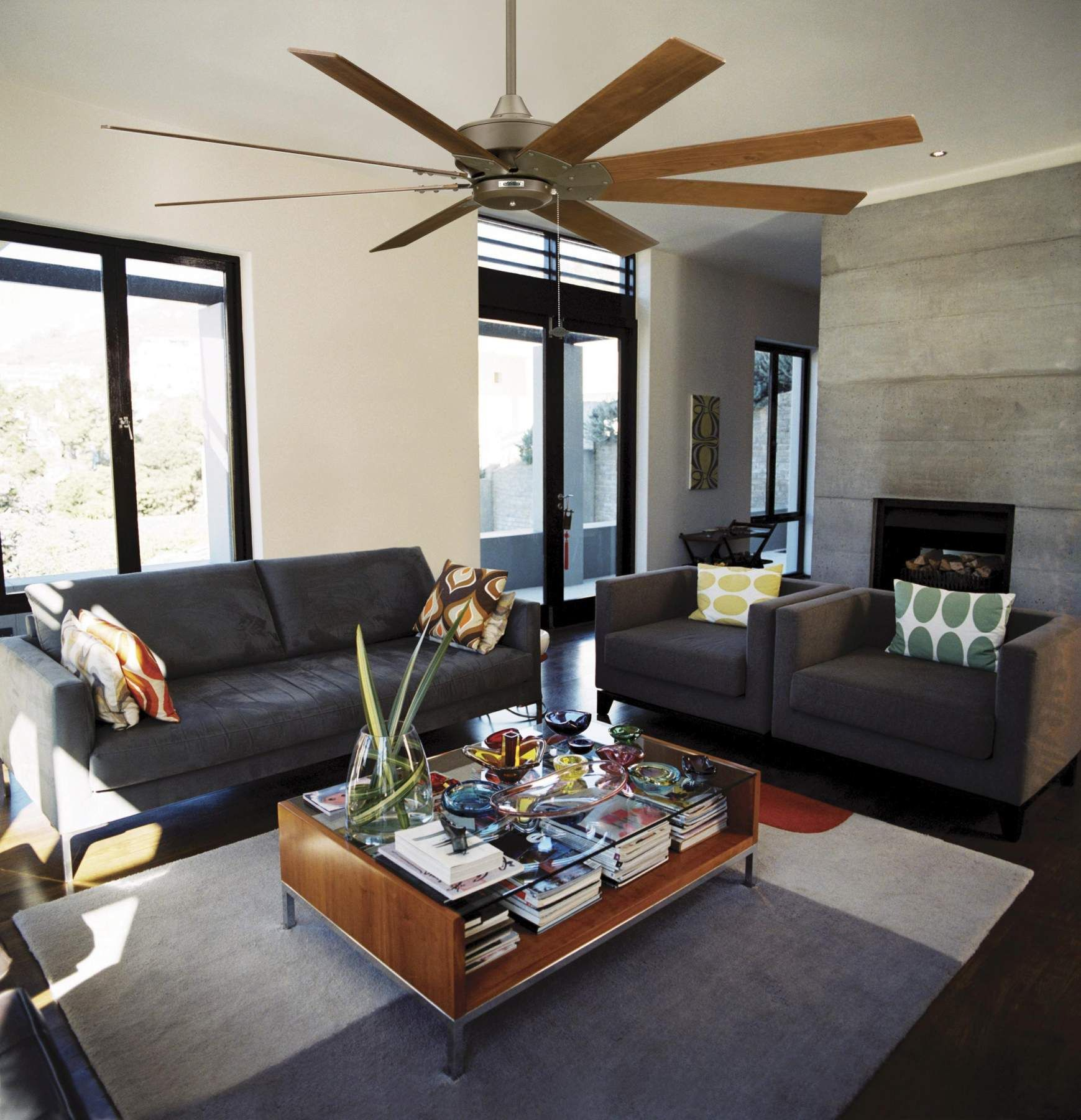 Kipas Angin The Levon Dari Fanimation Tidak Hanya Bergaya Tapi Juga Pintar Secara Ekonomis Dan Ram Tan Living Room Brown And Blue Living Room Living Room Grey