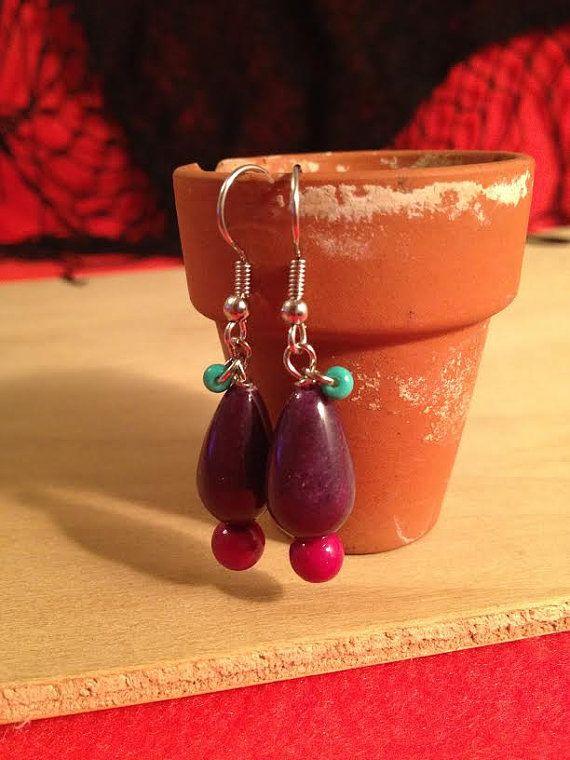 Lovely purple drop earrings by Portulakka on Etsy