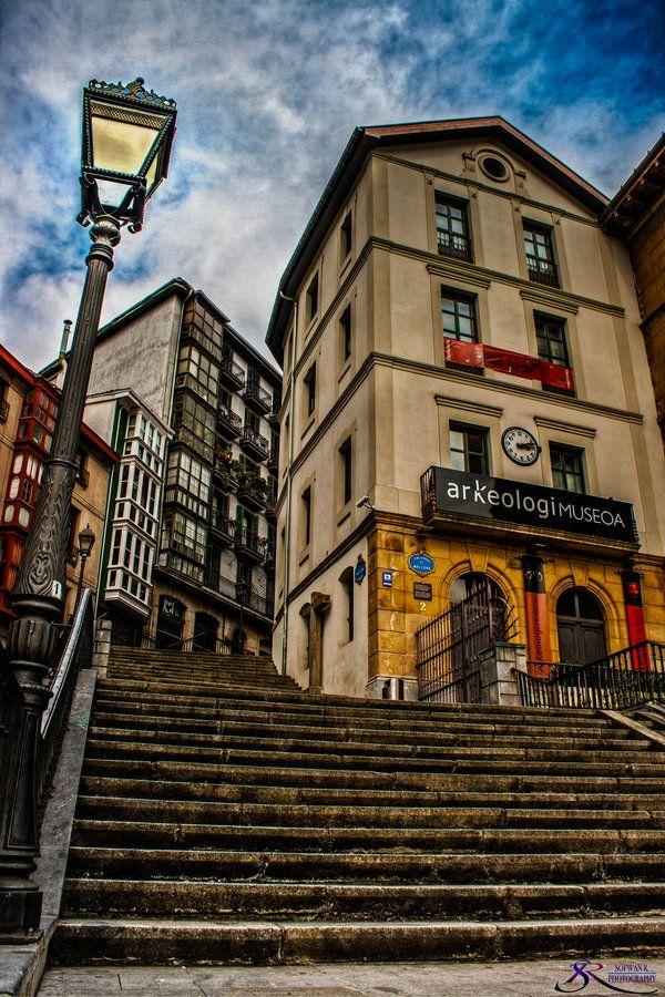 to the top bilbao spain museum euskadi pinterest espagne pays basque et voyage espagne. Black Bedroom Furniture Sets. Home Design Ideas