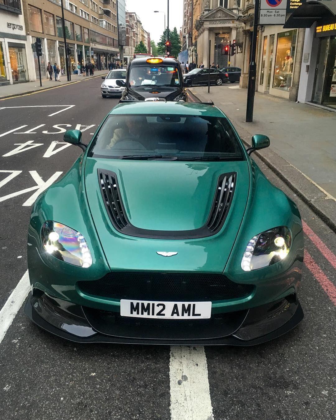Aston Martin Race Car: Aston Martin Vantage GT12