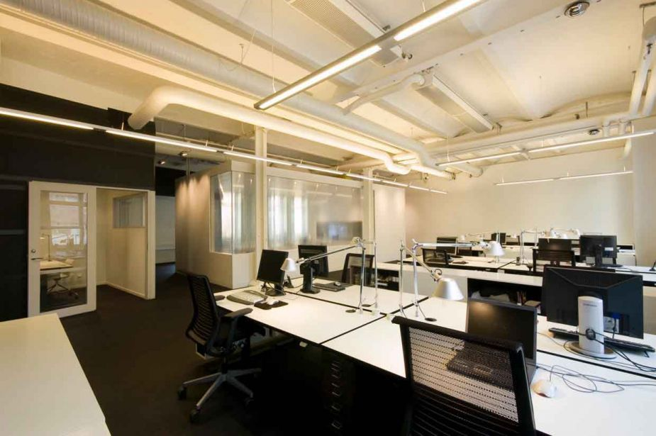 Office and workspace contemporary minimalist designing an for Commercial office space design ideas