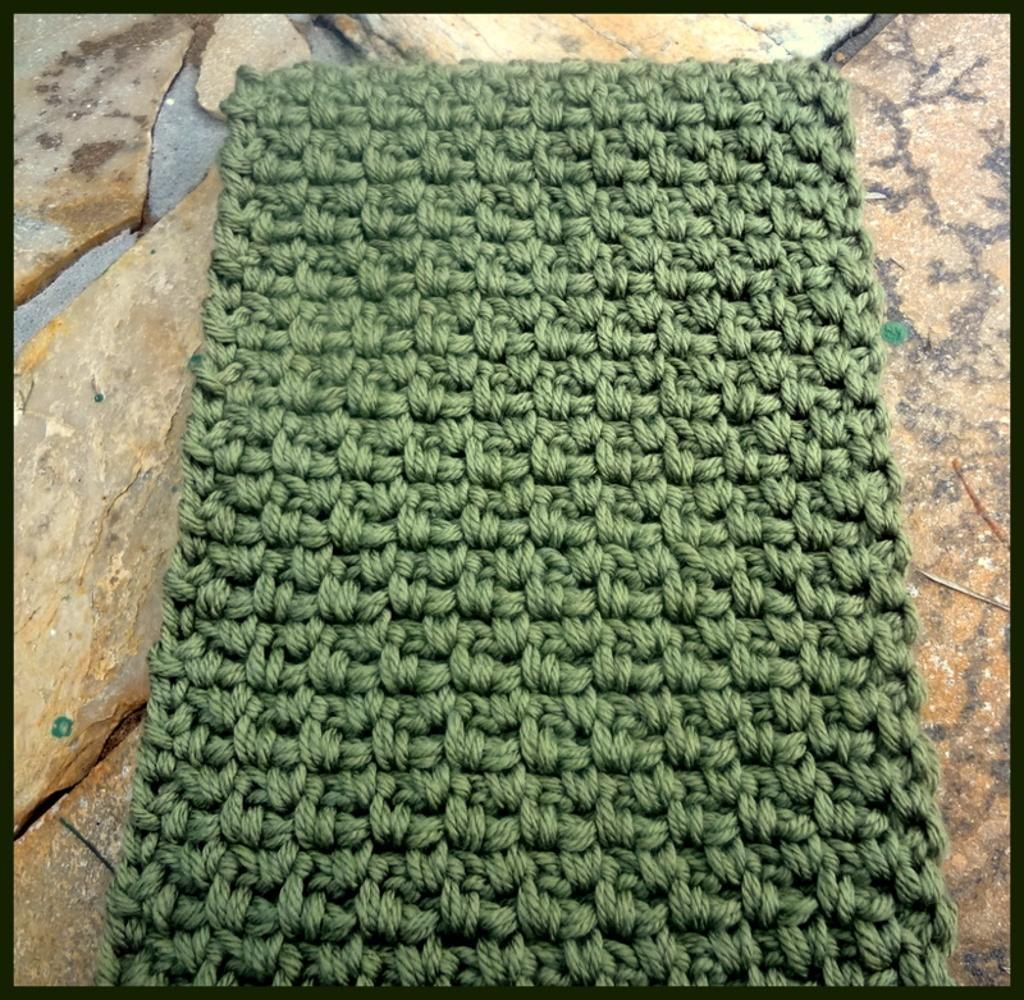 Scarf for men. ~It\'s very simple: just 1 sc, 1 chain. In the next ...