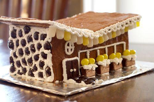Mid-Century Modern Gingerbread House for @Kelly Teske Goldsworthy ...