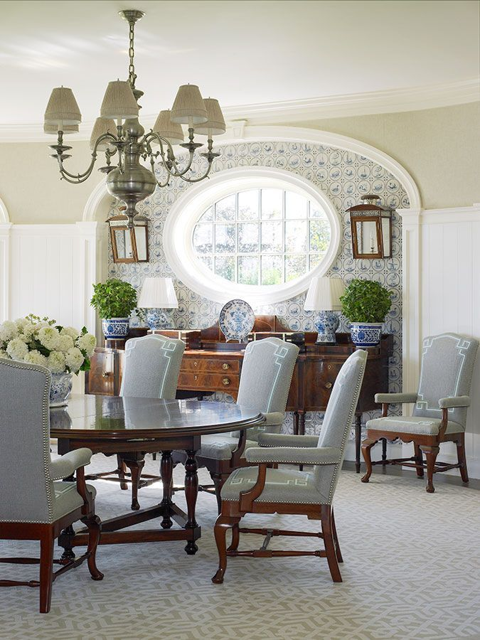 Southampton traditional anthony baratta blue white for Beautiful traditional dining rooms