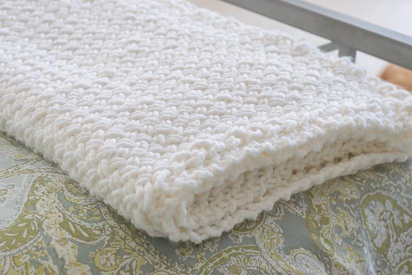 Knit Blanket with Diagonal Basket Weave Stitch   Bebe