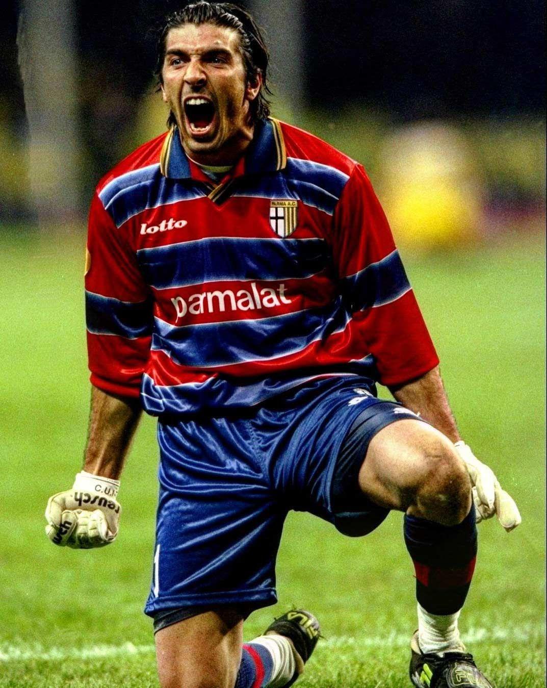 Gianluigi Buffon Parma UEFA Cup 1998/99
