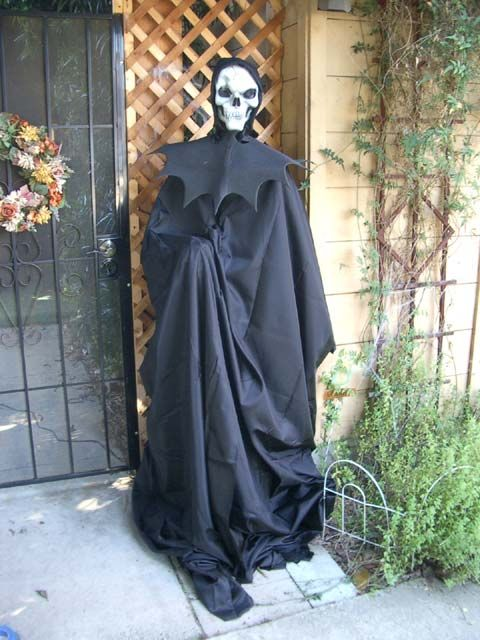 oscillating fan ghoul Halloween Pinterest Halloween garage and - halloween garage ideas