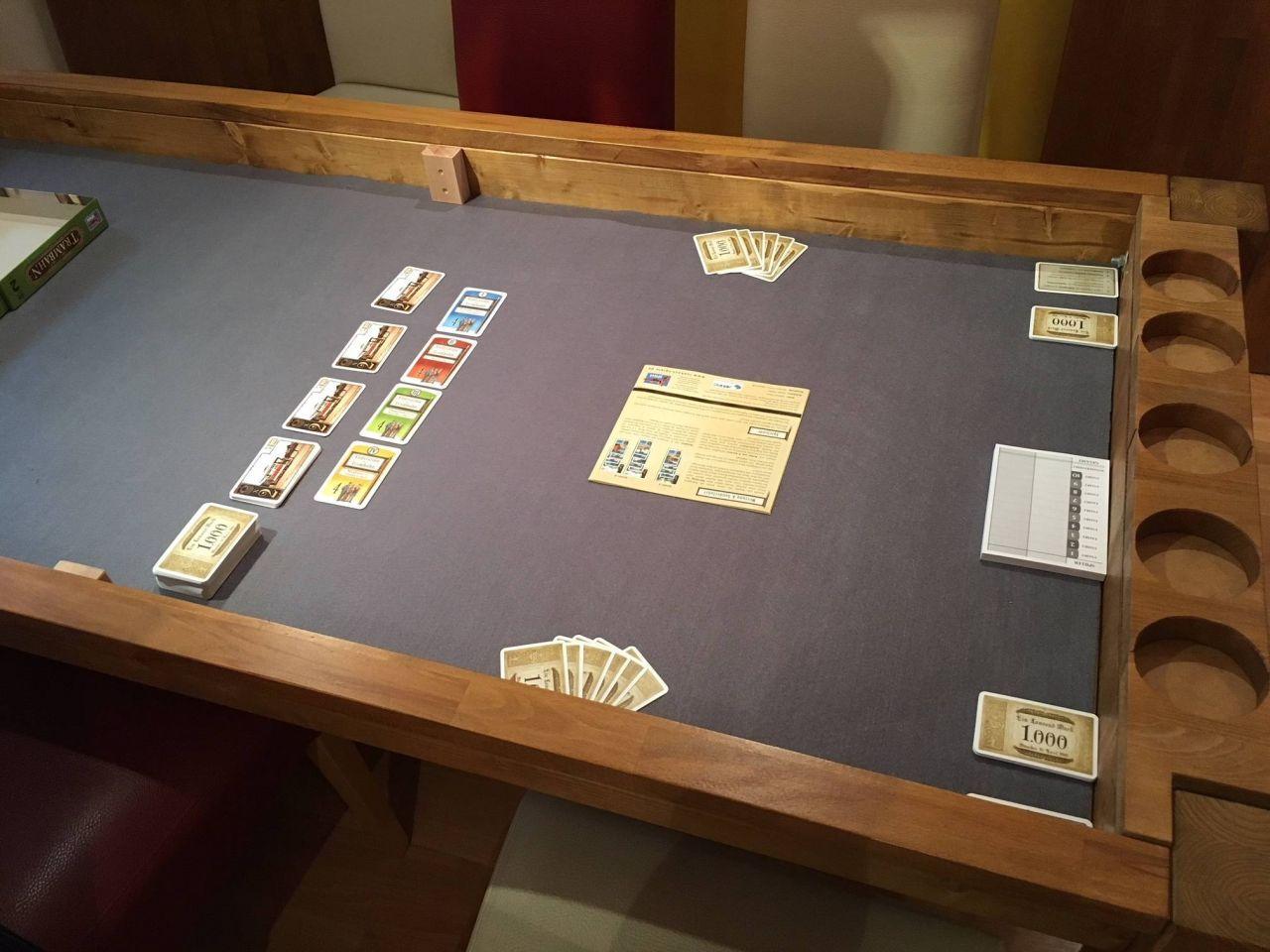 Esszimmertisch Spieltisch In Einem Bauanleitung Zum Selberbauen 1 2 Do Com Deine Heimwerker Community Spieltisch Esszimmertisch Spieltisch Poker