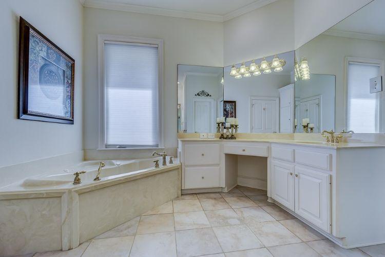 Dusche Vor Fenster Im Badezimmer Stilvolle Ideen Fur