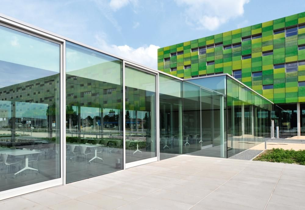 Barrier Free Construction. Offices. www.dorma.com
