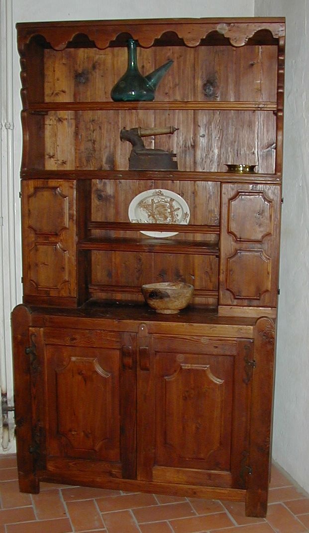 Restauraci n de una alacena antigua madera de pino so for Restauracion de puertas antiguas