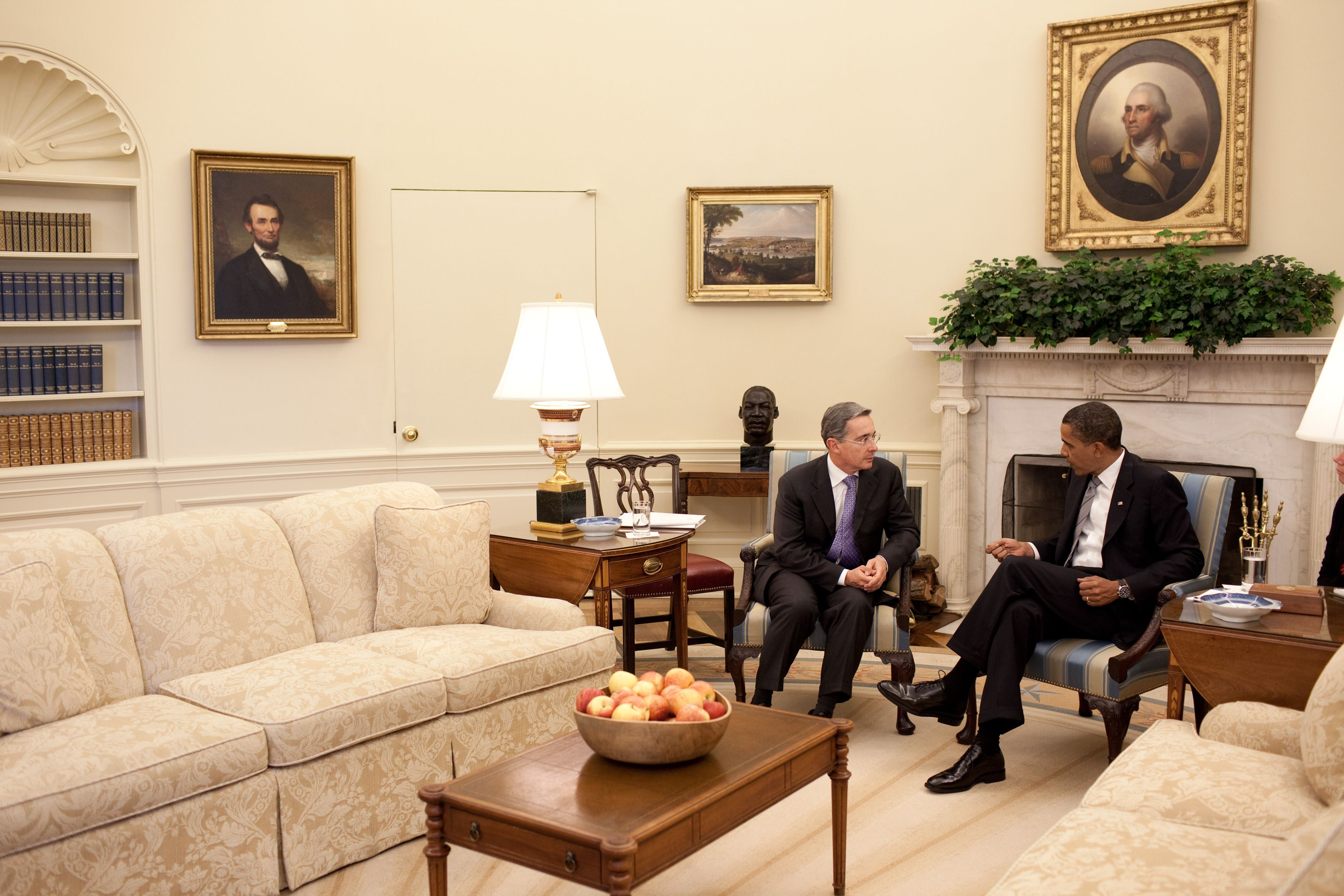 the white house oval office. White House Oval Office | Uribe Of Colombia In The