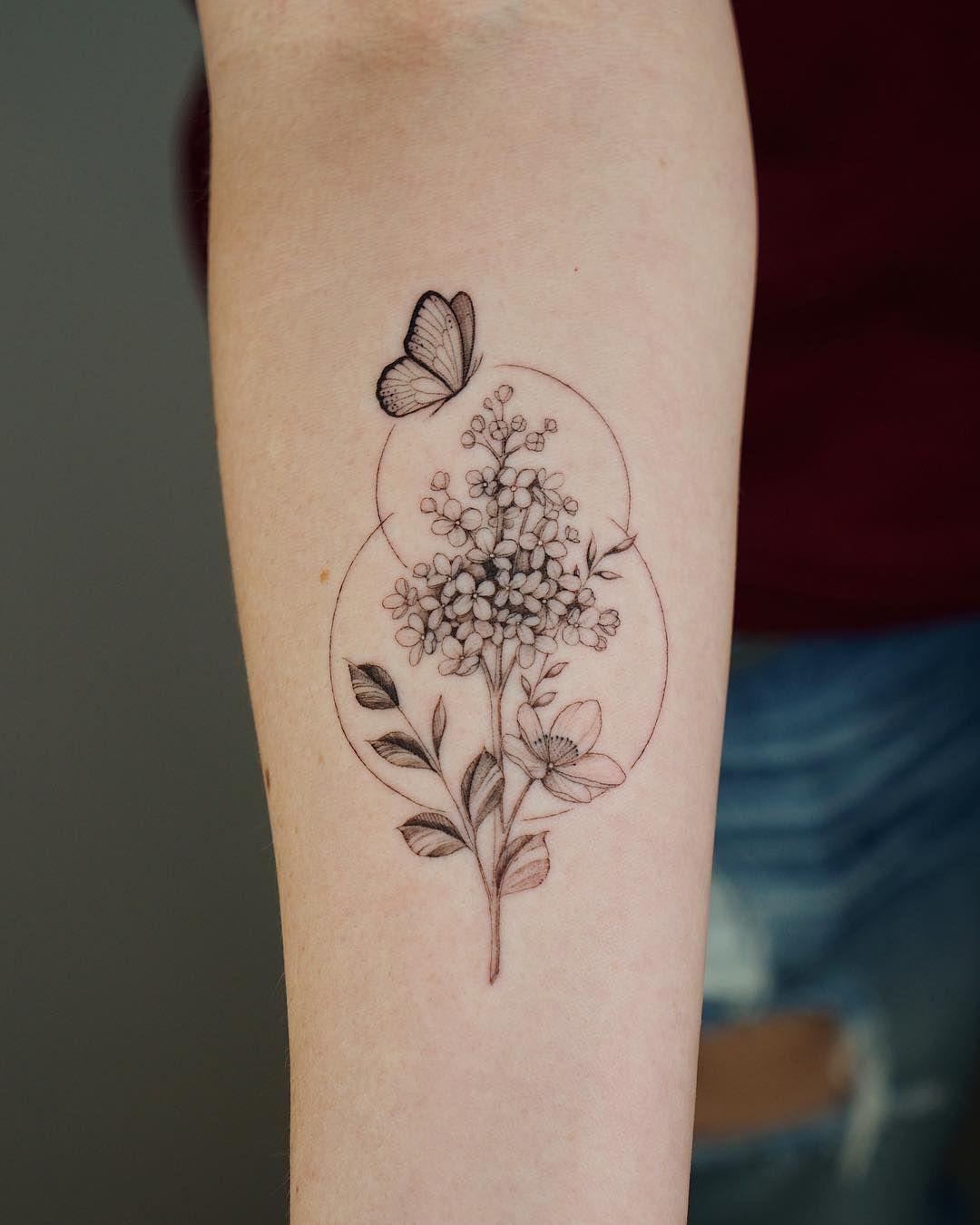 Lilacs Like This Style Lilac Tattoo Mom Tattoos Geometric Tattoo Design