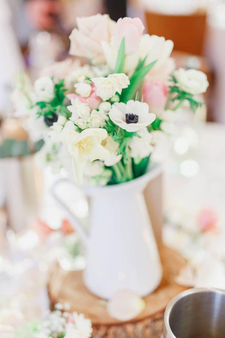 Barn wedding with fairy lights  Beautiful u Rustic Fairy Lights Barn Wedding  Rosa Beautiful y Hadas