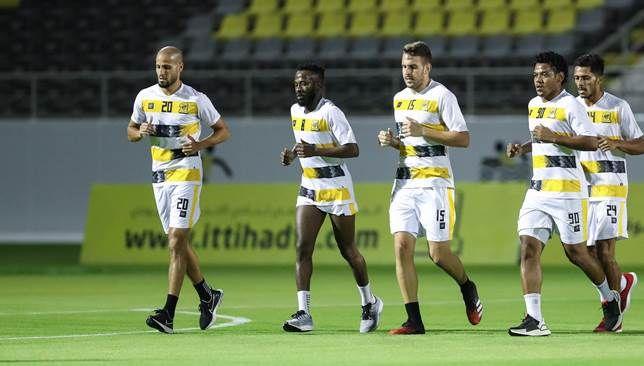 الاتحاد أكمل تحضيراته لمواجهة النصر Football Running Sports