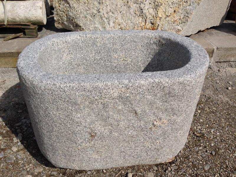 Granit Naturstein dorfbrunnen aus granit naturstein granitbrunnen garten