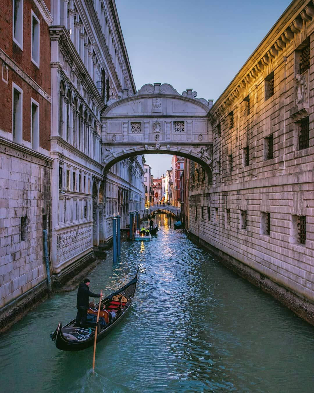 Venice, Italy nel 2020 Canoe, Instagram, Ponte