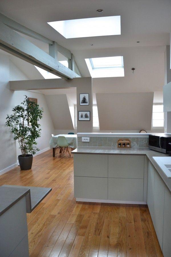 Camaïeu de vert pour un appart refait sous les toits Sous les - deco maison cuisine ouverte
