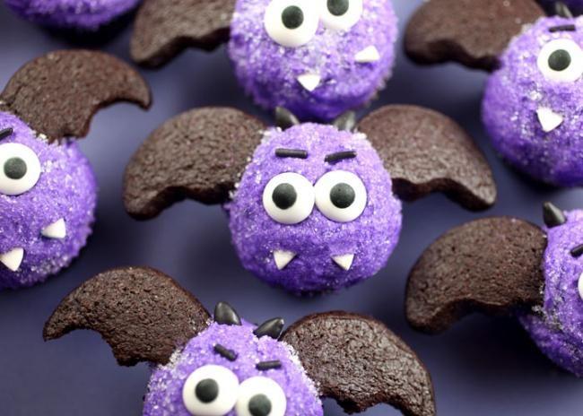 purple halloween cupcakes