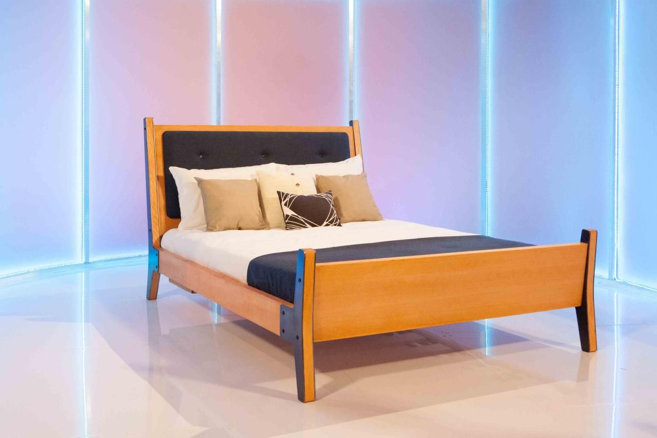 See 8 Stunning Beds From U0027Ellenu0027s Design Challengeu0027 + Pick Your Favorite