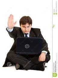 """Il mio computer, ogni volta che lo spengo,mi dice """"sto eseguendo l'arresto"""".....ma..l'arresto di chi??(Gian)  ..................................................My computer, every time I turn it off, I say """"I am executing the arrest"""" .....but..the arrest of whom?"""