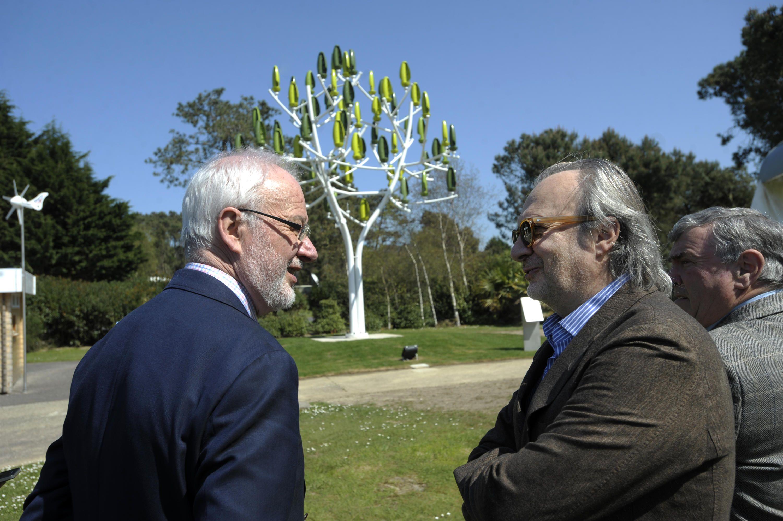Claudy Lebreton président de l'Assemblée des Départements de France et du Conseil général des Côtes d'Armor (à gauche de la photo)