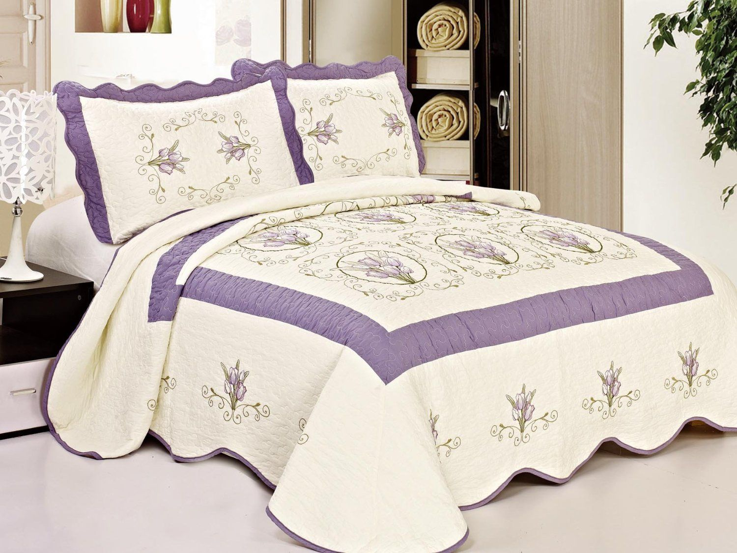 Amazon.com - Queen Size Quilted Bedspread Purple Flowers Floral ... : purple quilted bedspreads - Adamdwight.com