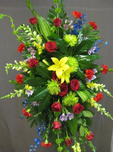 25 best ideas about funeral sprays floral sympathy flowers