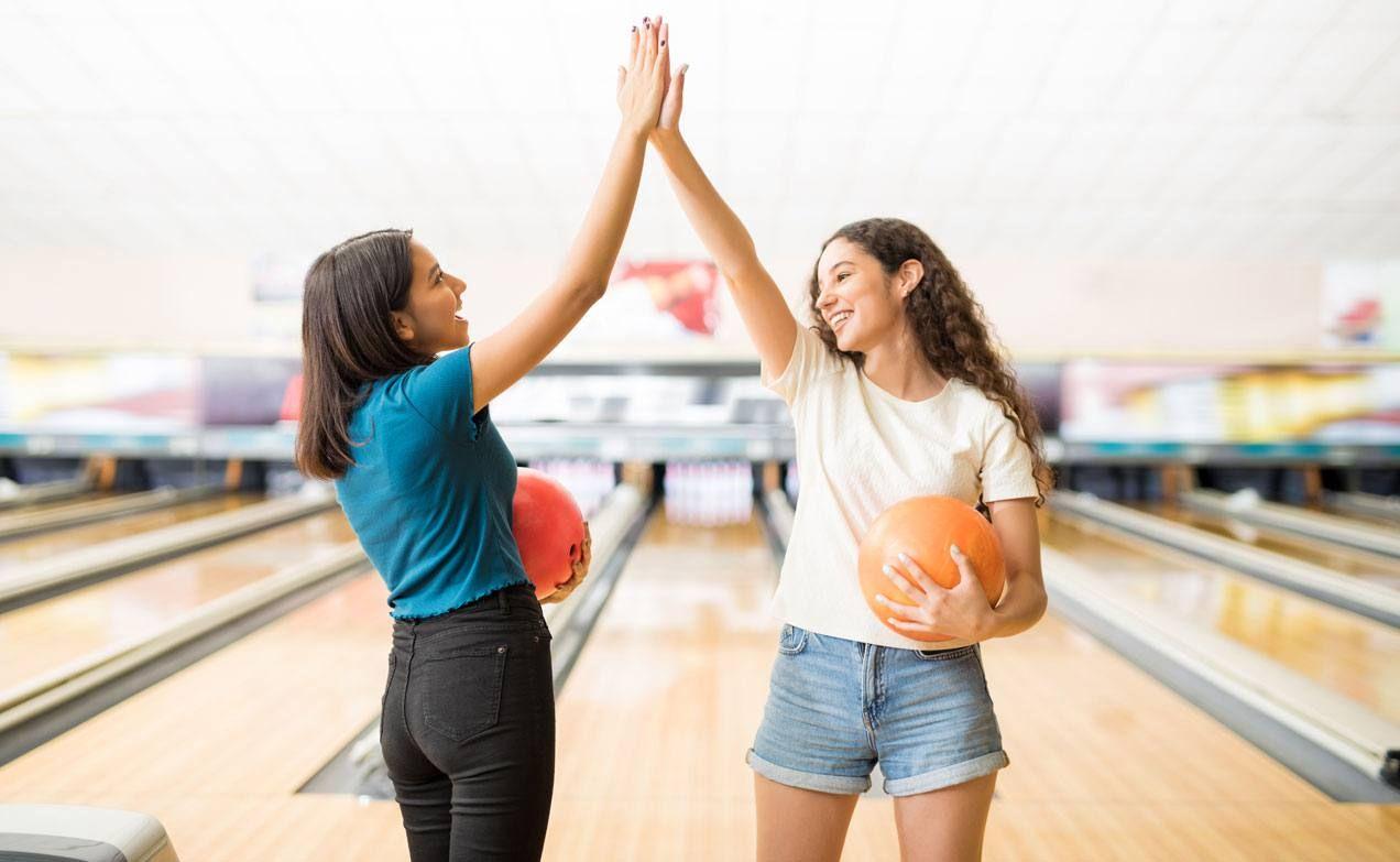 La autoestima de las adolescentes Teenage girl, Bowling