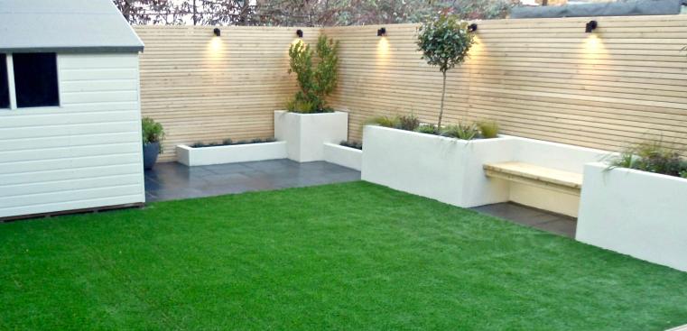 White Rendered Garden Seating Area Diygardenseating Garden In