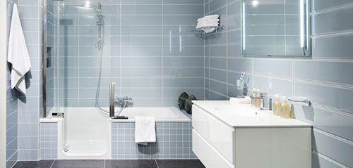 Kleine badkamer met bad interieur inrichting bathrooms pinterest spaces - Deco kleine badkamer met bad ...