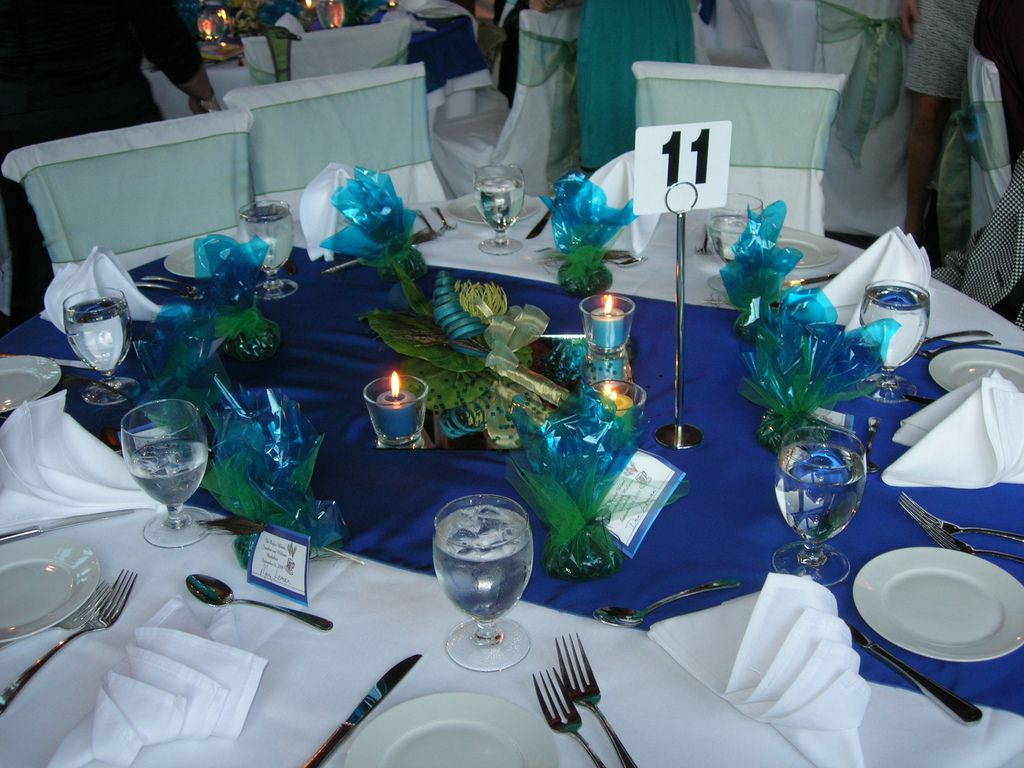 peacock themed wedding Peacock Wedding Theme Table Ideas for