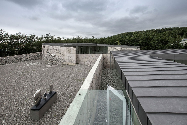 Gallery Of Bauzium Kim In Cheurl Archium 2 Gallery Concrete Wall Interior Architecture