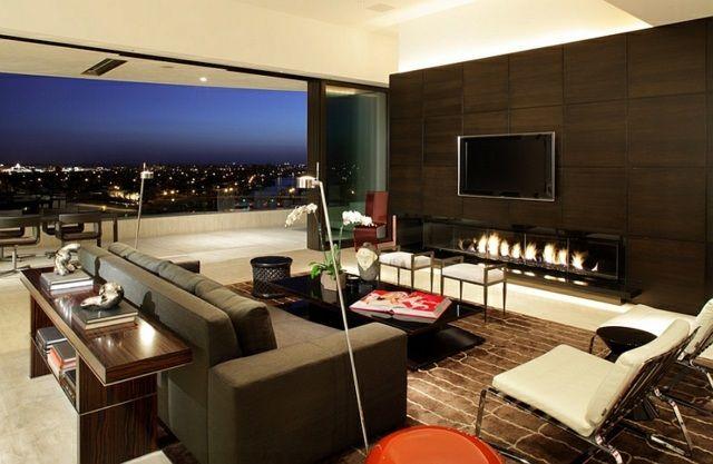 Télé montée au-dessus de la cheminée, une mode récente