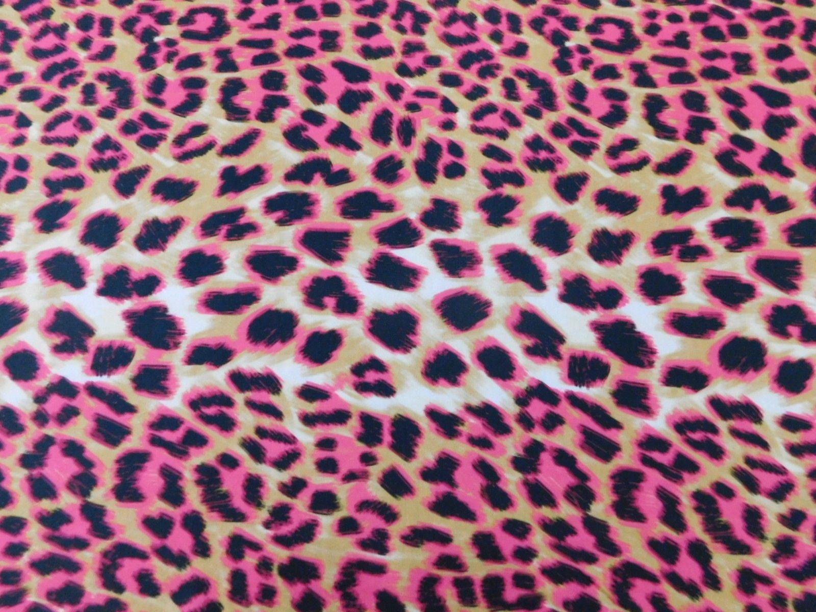 Viscose Toque de Seda Onça Pink disponível em nossa loja ! Em até 6x sem juros e enviamos para todo Brasil, aproveite !  https://www.luematecidos.com.br/viscose-estampada/viscose-toque-de-seda-onca-pink.html