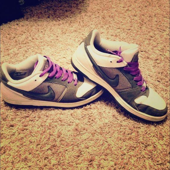 Nike kicks Nike air 'kicks' with purple and sparkle accents! Nike Shoes