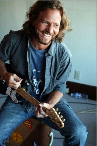 Eddie Vedder of Pearl Jam plays the electric ukelele