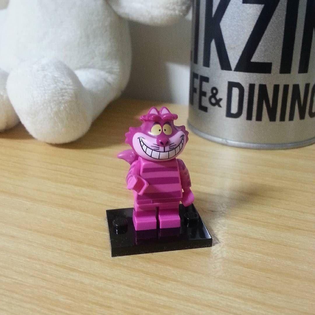 내 새로운 친구! Mon nouvel ami  Thank you  :) #lego #aliceinwonderland #cat #레고 #mykoreantime by anna.yumeteam
