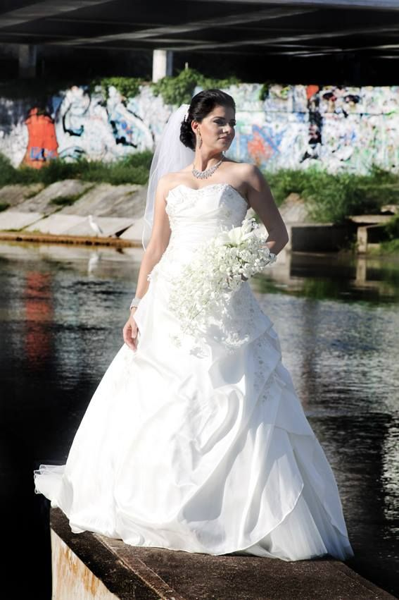 d0aab008b Pin de Weddalia México en Vestidos de novia