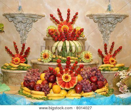 Fresh Fruit Recipe Wedding Fruit Arrangements Bing Images Fruit Arrangements Edible Fruit Arrangements Fresh Fruit Recipes