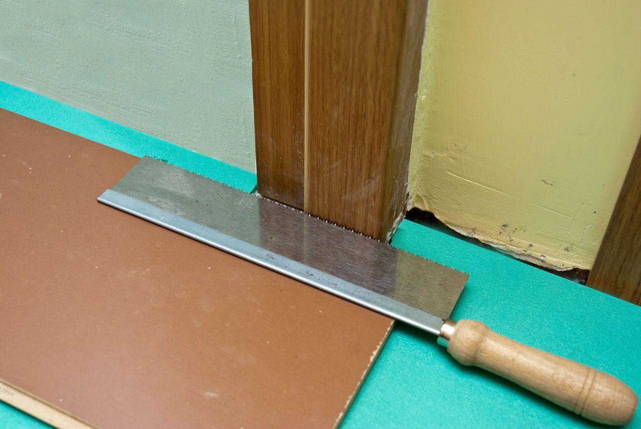 How To Lay Laminate Flooring Around Doors Laying Laminate Flooring Laminate Flooring Diy Installing Laminate Flooring
