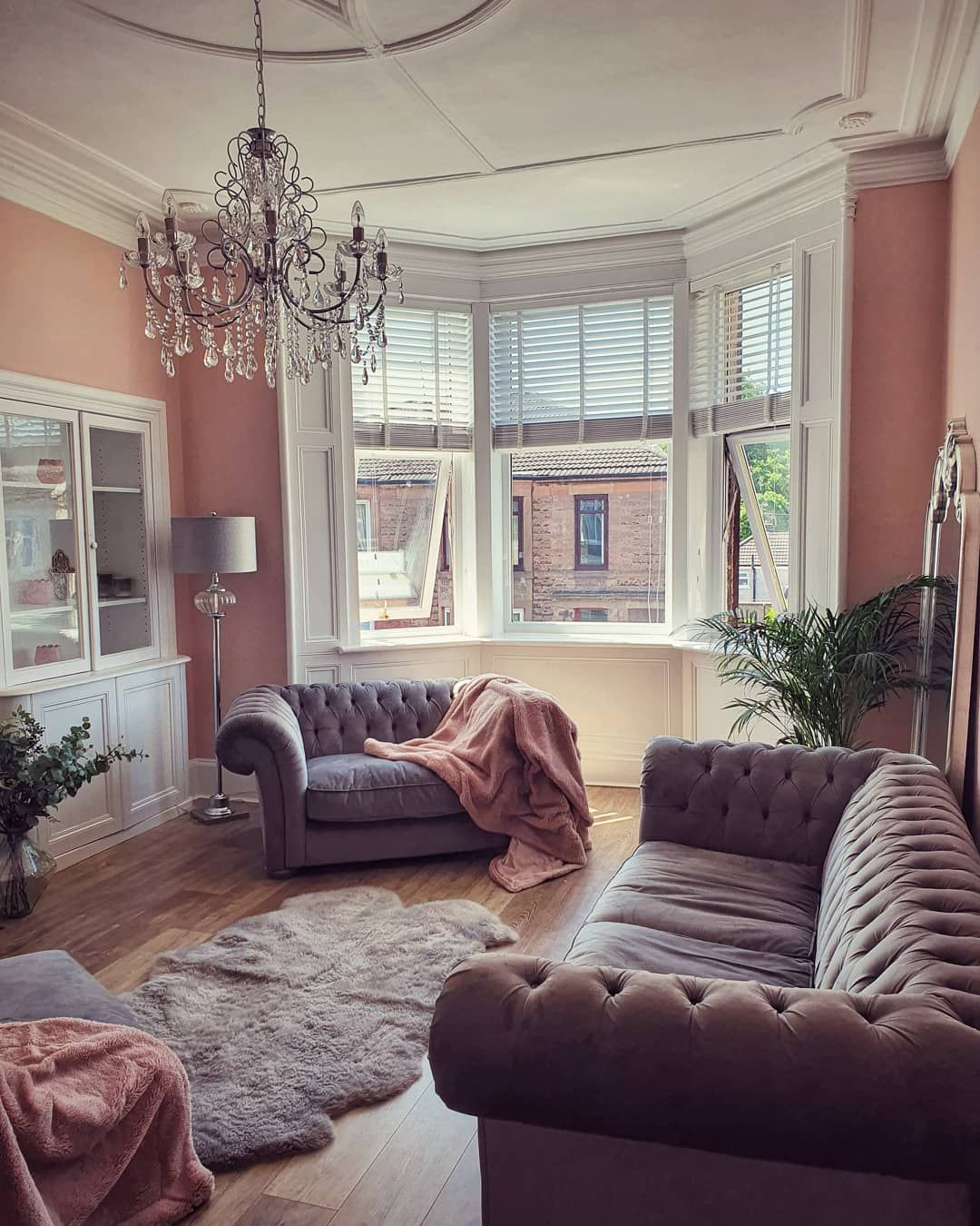 Striking Lounge With Painted Walls In 2020 Brown Living Room Decor Small Living Room Decor Oak Floor Living Room The living rooms glasgow