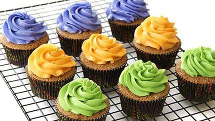 كب كيك ملون للاطفال Recipe Cupcake Cakes Desserts Sweets
