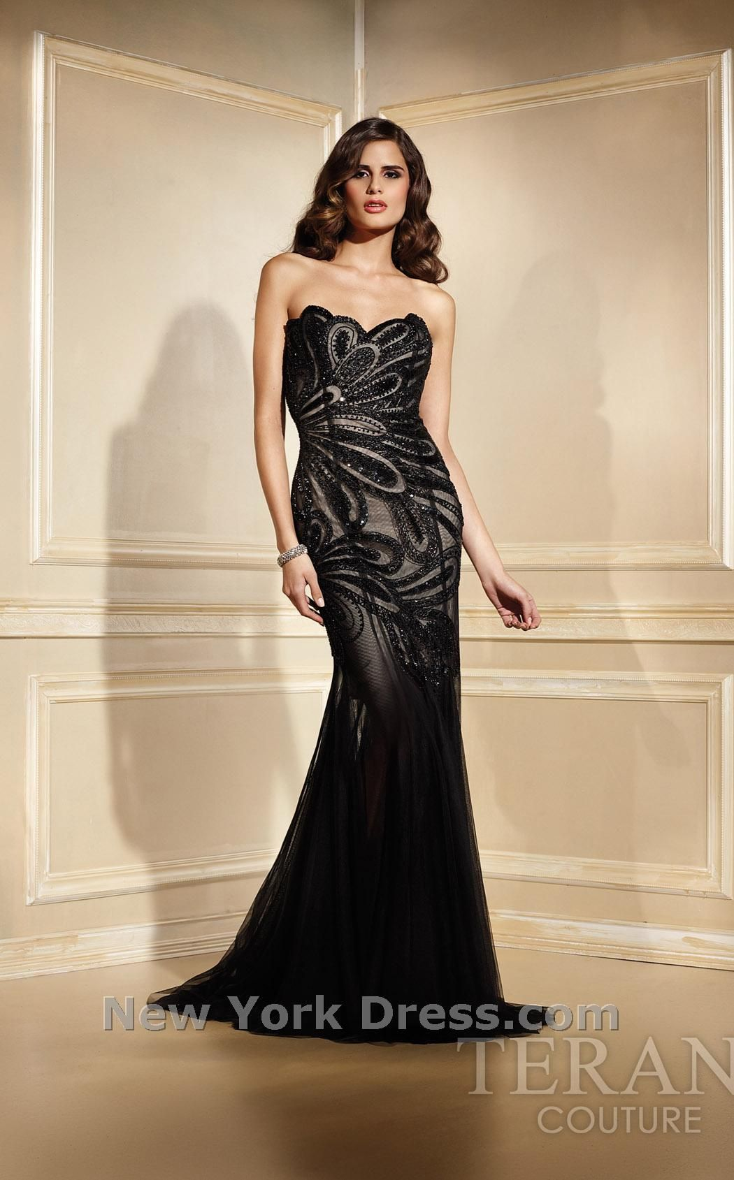 classic evening gown   Pretty things I don\'t need   Pinterest ...