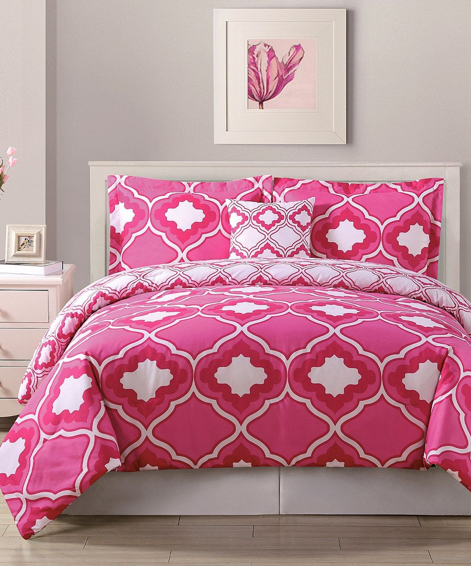 look at this zulilyfind pink graphic comforter set by pem america